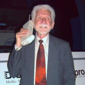 Istoria telefonului mobil - Martin Cooper